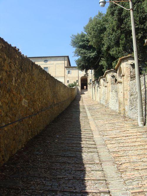 Schody do klasztoru Monteripido